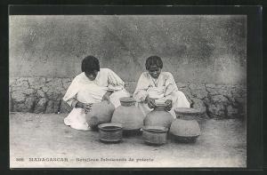 AK Madagascar, Betsileos fabricants de poterie, Töpfer