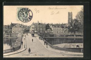 AK Auxerre, Le Pont Paul-Bert et Tramway