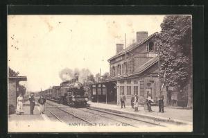 AK Saint Sulpice, La Gare, Bahnhof mit einfahrendem Zug
