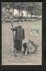 AK La Boissière, Orphelinat des Enfants de Troupe..., Kriegswaise als Tambour