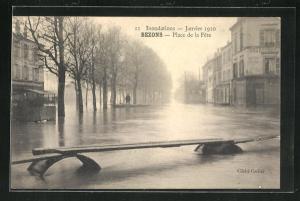 AK Bezons, Place de la Fete, Hochwasser 1910