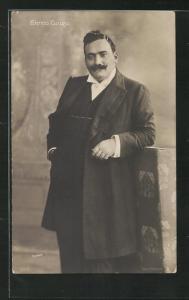AK Opernsänger Enrico Caruso in Frack und Mantel