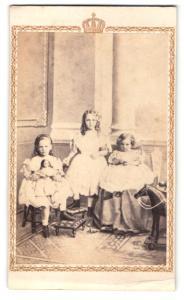 Fotografie Portrait Prinzessin Marian von Preussen, mittig