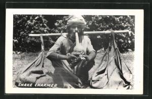 AK Indien, Snake Charmer, Indischer Schlangenbeschwörer