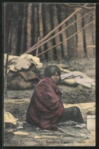 AK Argentinien, Indios, verarmte Indianerin auf der Strasse sitzend