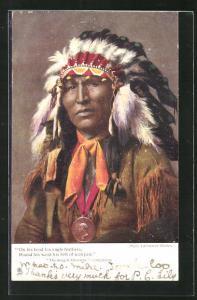 AK Indianer mit Federkopfbedeckung
