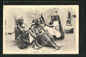 AK Djibouti, Femmes nue, Coiffeuse indigene