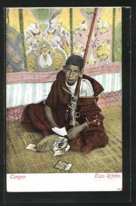AK Tanger, Junger Araber mit Postkarten