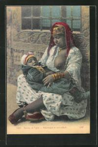 AK Mauresque et son enfant, arabische Frau mit entblösster Brust