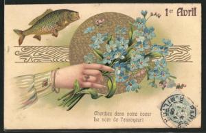 Präge-AK Frauenhand hält einen Strauss Vergissmeinnicht, springender Fisch, Gruss zum 1. April