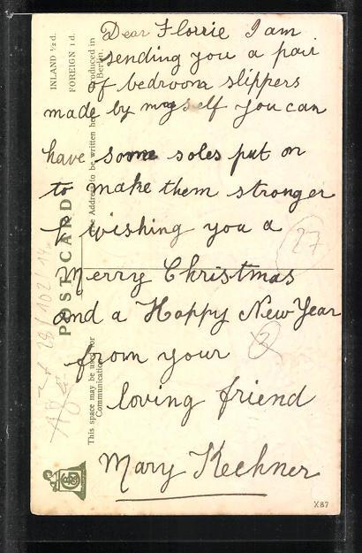 Präge-AK Weihnachtsengel sitzen in den Tannenzweigen und lesen ein Buch, A merry Christmas 1