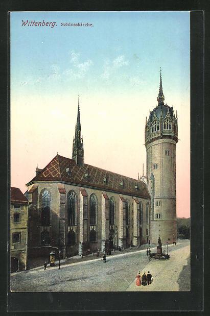 AK Wittenberg, Schlosskirche mit Passanten 0