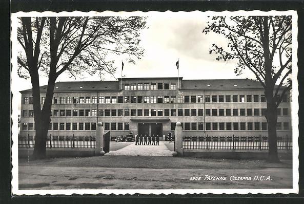 AK Payerne, Kaserne mit Soldaten 0
