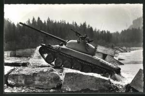 AK Schweiz. mittelschwerer Kampfpanzer Pz. 58 auf Gestein