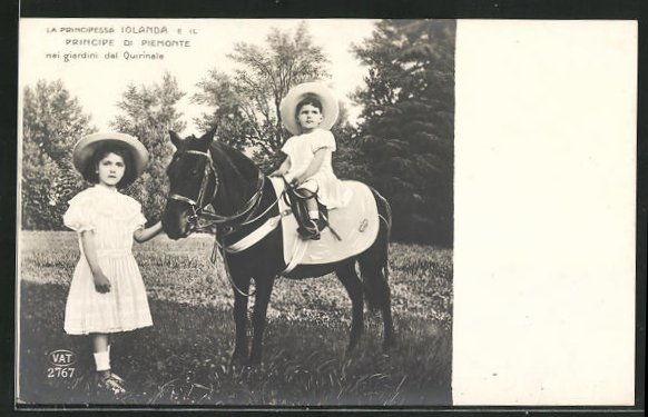 AK La Principessa Iolanda e il Principe di Piemonte nei giardini del Quirinale 0