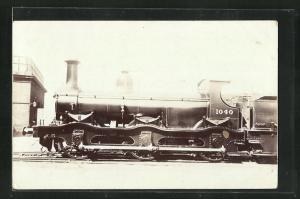 Foto-AK englische Eisenbahn Kennung 1040 im Bahnhof