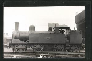 AK englische Eisenbahn, 3705, Lokomotive mit Zugführer