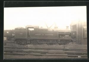 AK Englische Eisenbahn No. 116 im Bahnhofsgelände