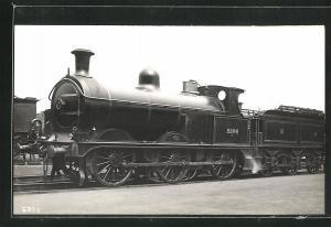 AK englische Eisenbahn mit Kennung 2304 im Bahnhof stehend