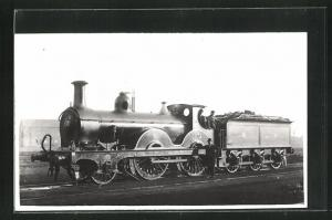 AK englische Eisenbahn der Gesellschaft MR mit Kennung 1472 und Lokführern