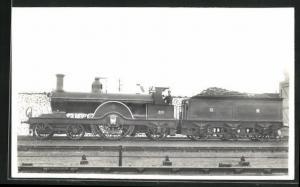AK englische Eisenbahn der Gesellschaft MR mit Kennung 26 und Bauschutt im Waggon