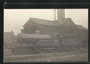 AK englische Eisenbahn der Gesellschaft GNR mit Kennung 1072 im Bahnhof