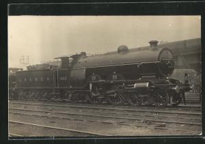 AK Englische Eisenbahn No. 422 auf dem Bahnhofsgelände
