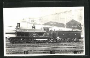 AK Englische Eisenbahn No. 79 vor den Bahnhofshallen