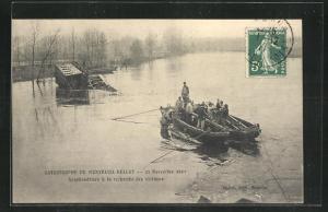 AK Montreuil, Eisenbahnkatastrophe von Montreuil-Bellay 1911, Bergung der opfer des Unglücks