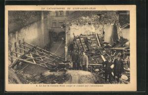 AK Lyon-Saint-Jean, La Catastrophe, Le bas du Chemin-Neuf, coupe et comble par l`eboulement