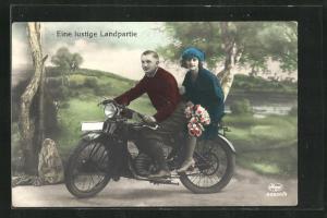 AK Paar auf DKW-E206 Motorrad bei einer lustigen Landpartie