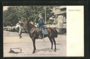 AK Berlin, Berittener Polizist auf einer Strasse