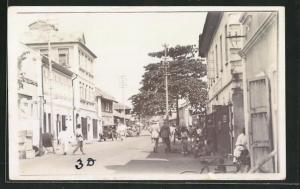 Foto-AK Lagos, Blick in eine Strasse der Stadt