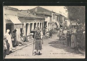 AK Blida, Une Rue Arabe, Strassenpartie im arabischen Viertel