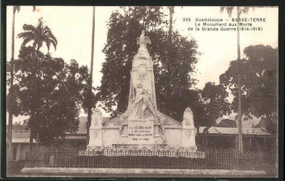 AK Basse-Terre, Le Monument aux Morts de la Grande Guerre 1914-1918 0