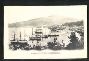 AK Saint-Pierre de la Martinique, Blick über den Hafen