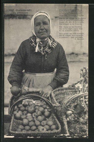 AK Ile d`Oleron, Marche de St-Pierre, La Dulette, Frau verkauft Obst und Gemüse 0