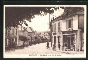 AK Presles, La Mairie et la Rue de Paris