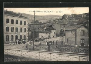 AK La Terrasse-sur-Dorlay, La Gare
