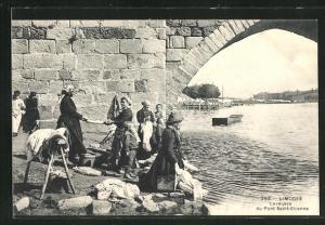 AK Limoges, Laveuses du Pont Saint-Etienne, Waschfrauen am Fluss