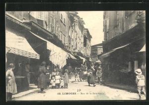 AK Limoges, Rue de la Boucherie, kleine geschäftige Strasse