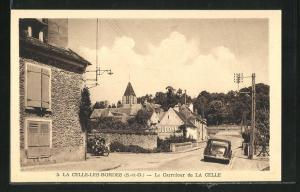 AK La Celle-les-Bordes, Le Carrefour