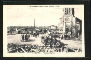 AK Reynies, Place de l`Eglise, Les Grandes Inondations du Midi, 1930