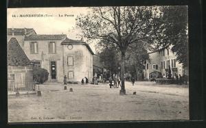 AK Monesties, La Poste, Platz
