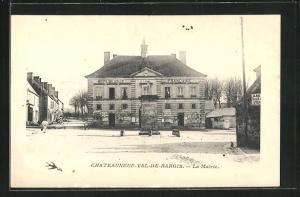 Passepartout-AK Chateauneuf-Val-de-Bargis, La Mairie
