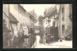 AK Montargis, Vieille Rue sur l`eau, Häuser an Gewässer