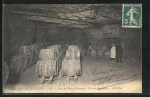 AK Vouvray, Caves du Bourg, Un coin des caves