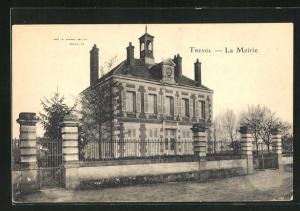 AK Trevol, La Mairie, Eingangsfassade
