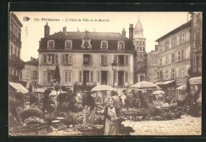 AK Pèrigueux, L`Hotel de Ville et la Marchè