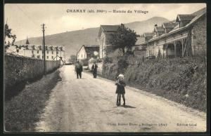 AK Chanay, Entrèe du Village